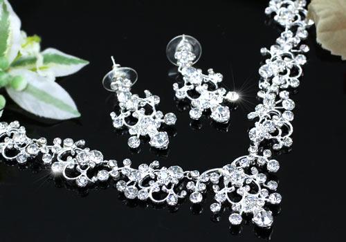 Серьги и ожерелье для невесты